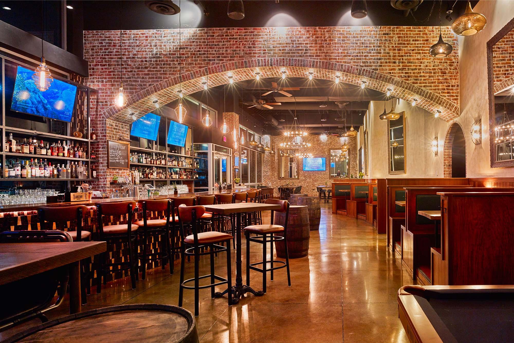 Frankie's Uptown Bar
